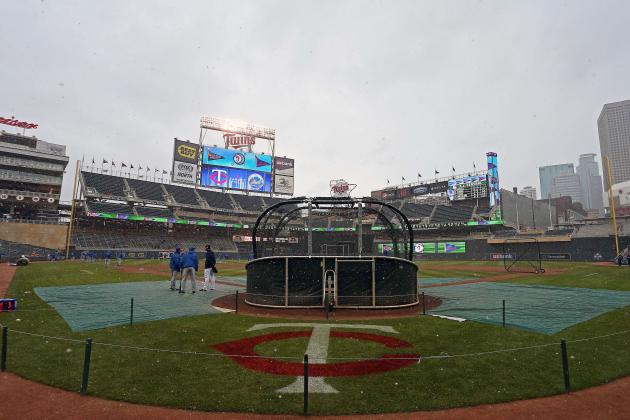 Light Snow and Rain Postpones Mets, Twins Game to Aug.19
