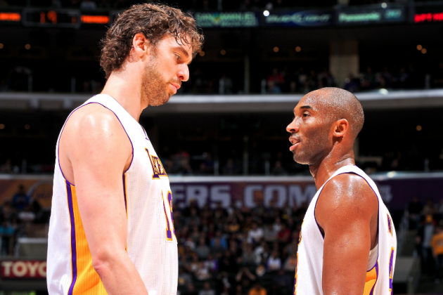 Kobe Bryant Calls Pau Gasol Mid-Game from Hospital Bed, Lives Up to 'Coach Vino'