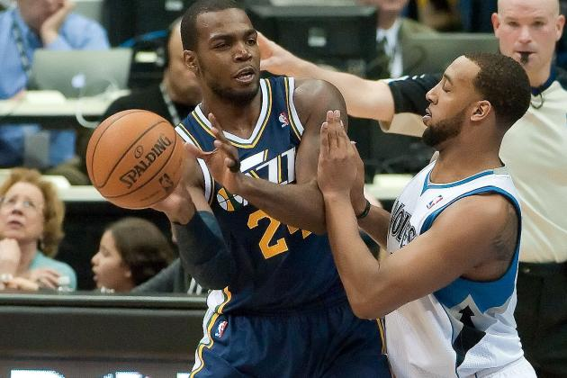 Jazz Drop Wolves, Keep Playoff Hopes Alive