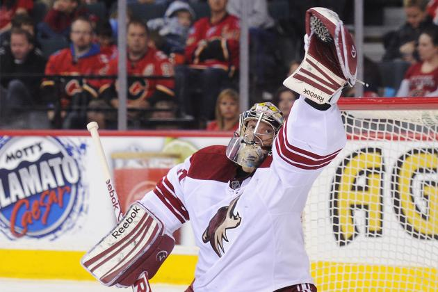 Phoenix Coyotes Scratch Goalie Mike Smith with Injury