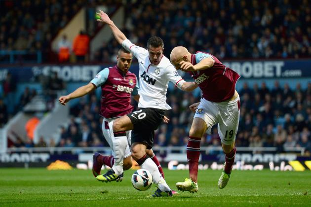 Manchester United: Was Robin Van Persie's Equalizer Against West Ham Offside?