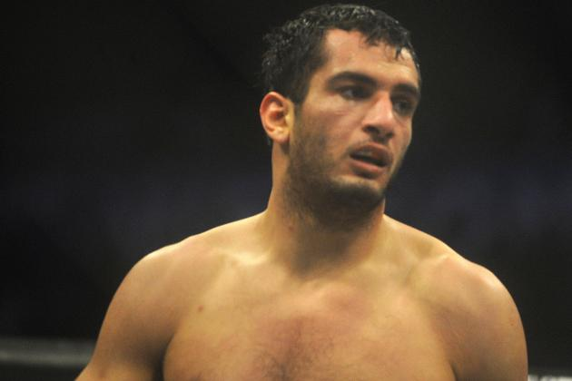 Gegard Mousasi Wants Your Thoughts: Should He Drop Down to Middleweight?
