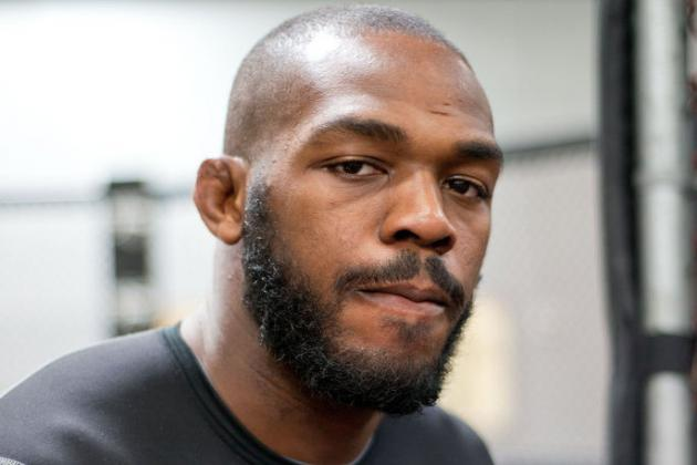Jones Apologizes for Accusing Chael Sonnen of Being a 'Career-Long Steroid User'