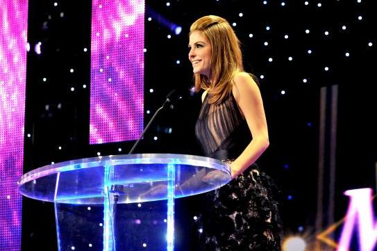 WWE Irate at Negative Reaction to Maria Menounos at the Hall of Fame
