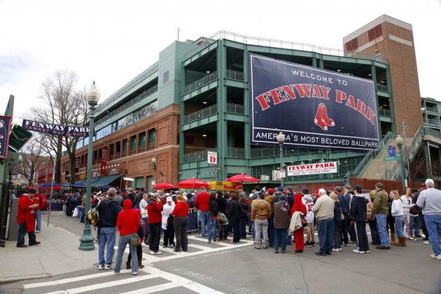 Boston Red Sox Postpone Game Due to Marathon Bombing Manhunt