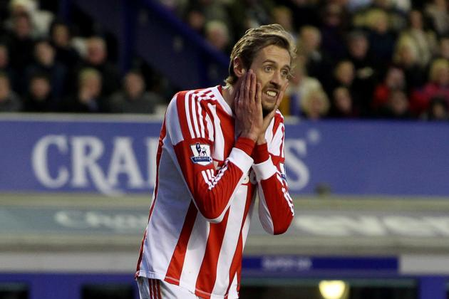 Stoke City Boss Tony Pulis Gives Backing to Peter Crouch