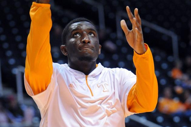 Tennessee Forward Yemi Makanjuola to Transfer