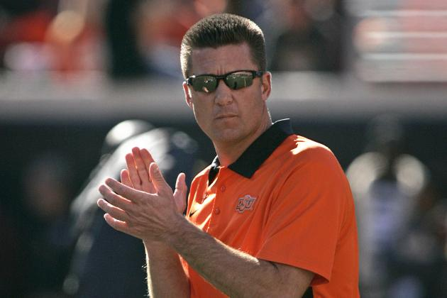 Mike Gundy Has No Plans to Reveal Starting Quarterback Any Time Soon