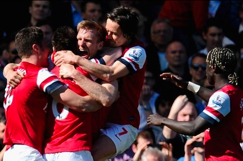 Mertesacker, Koscielny Shine in Win over Fulham