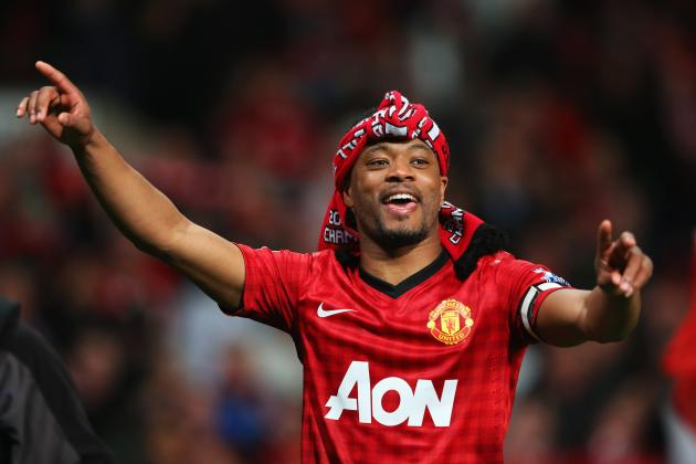 Patrice Evra Uses Fake Arm Wisely, Makes Fun of Luis Suarez's Biting Incident