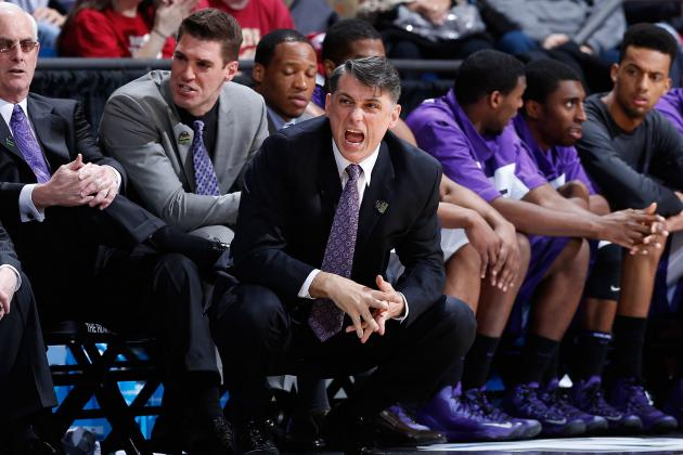 Men's Basketball's Brady Signs New Four-Year Contract