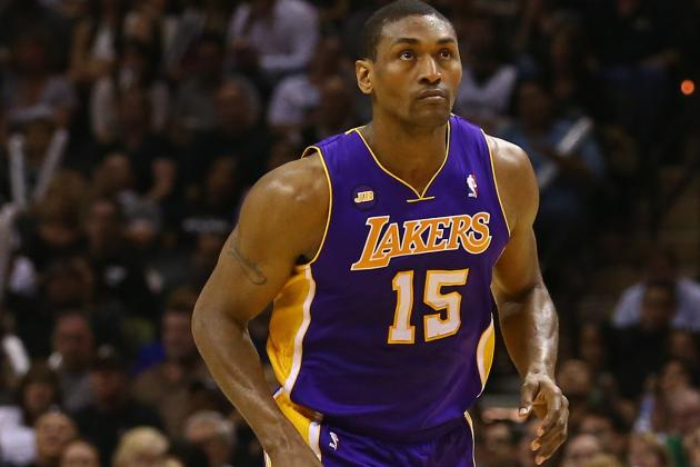 Metta World Peace Wants Kobe Bryant to Keep Providing in-Game Tweets