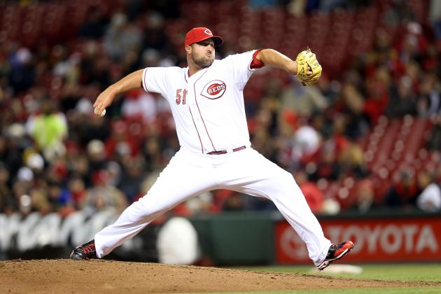 Reds' Broxton OK After Taking Liner off Hand