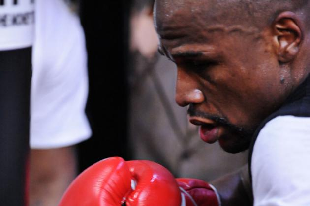 How Long Will Floyd Mayweather Jr. Stave off Father Time?