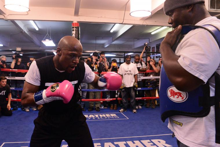 Floyd Mayweather Will Show Little Ring Rust Against Robert Guerrero