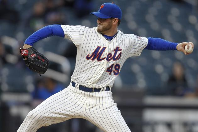 Niese Leaves Game with Apparent Ankle Injury