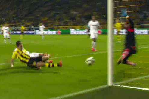 Lewandowski Finish Gives Dortmund 1-0 Lead Against Madrid