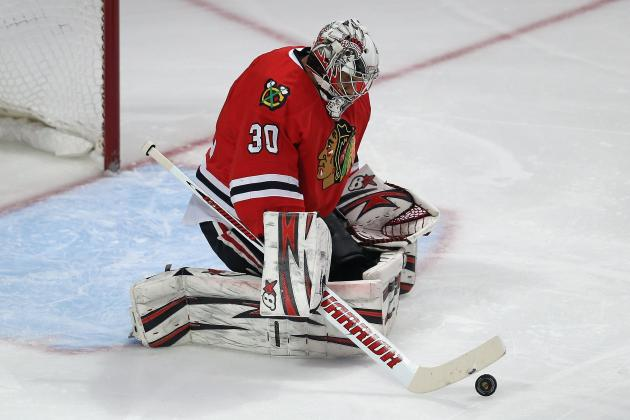 Chicago Goalie Ray Emery Leaves Game with Lower-Body Injury