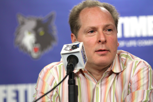 Report: T-Wolves to Replace Kahn with Saunders