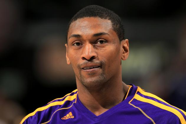 L.A. Lakers' Metta World Peace Shows off Drained Knee Fluid