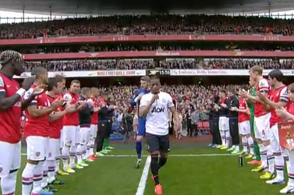 Video: Arsenal Give Man Utd Guard of Honour