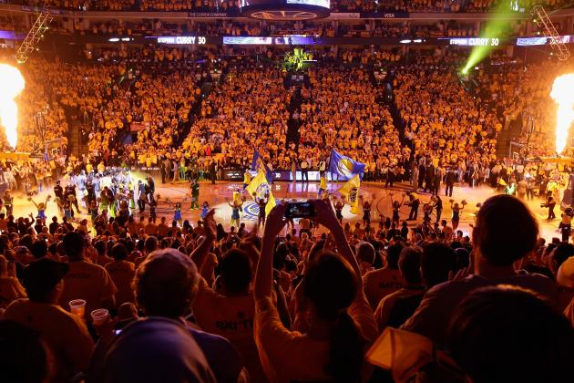Warriors Fans Bring the Noise to Oakland