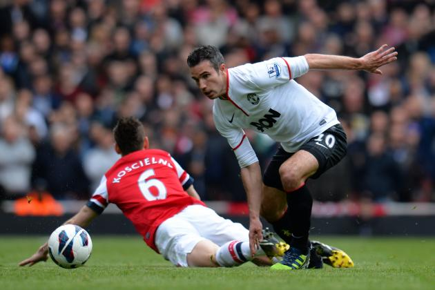 Robin van Persie Scores on Return to Arsenal as Man United Held to 1-1 Draw