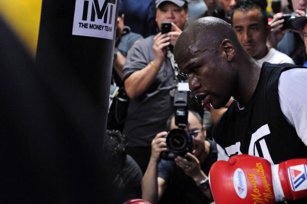 Mayweather vs. Guerrero Is Huge Trap Fight for Money Team After Long Layoff