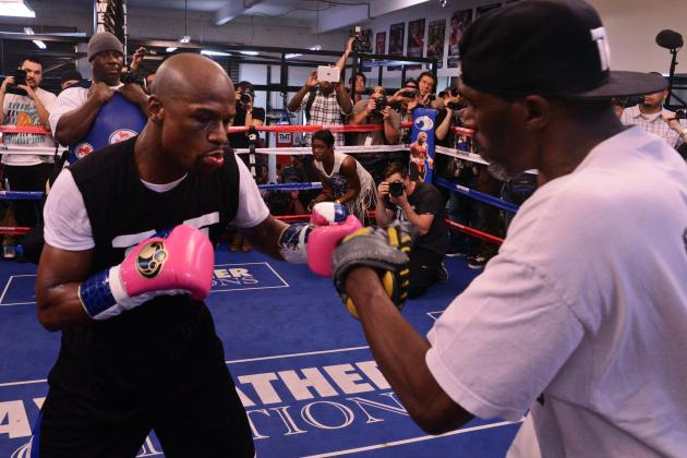 Floyd Mayweather vs. Robert Guerrero: Ideal Strategy for Each Boxer