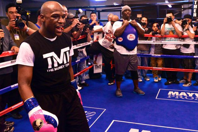 What to Expect from Floyd Mayweather Against Robert Guerrero