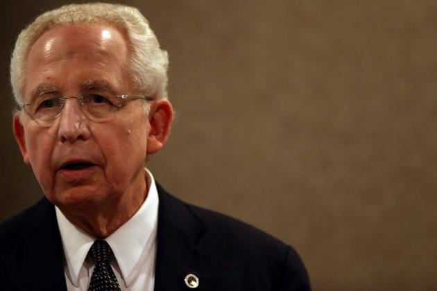 Mike Slive Confident in AD Jay Jacobs' Defense of Auburn