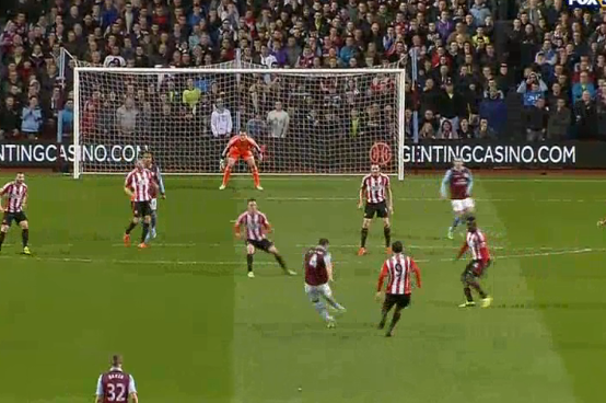 Vlaar Drills One Past Sunderland
