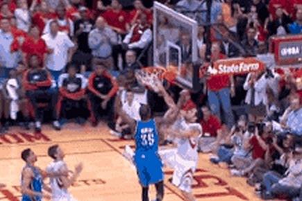 Delfino Puts Durant on a Poster