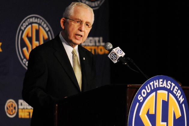 Why SEC Commissioner Mike Slive Is Thinking About Backing out of FBS