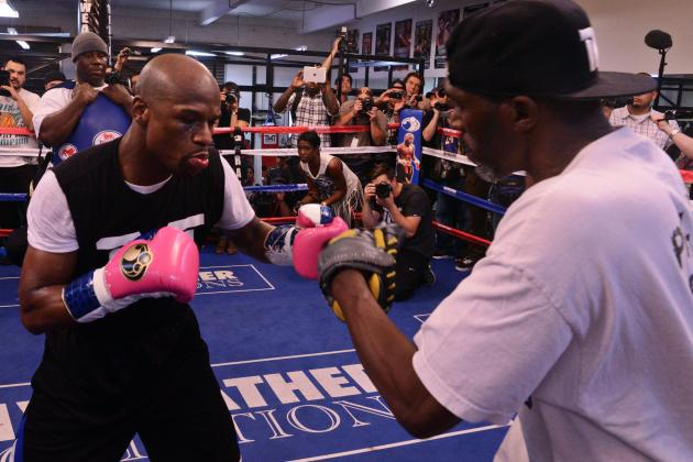 Floyd Mayweather Will Stay Undefeated Against Robert Guerrero