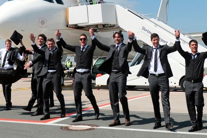 Photo: Dortmund Celebrate Upon Arrival in Germany