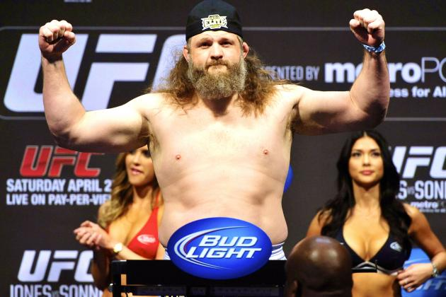 Roy Nelson's Manager Doesn't Want Daniel Cormier Fight, Nelson Would Accept