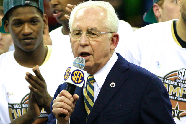 College Football Playoff Selection Committee Shouldn't Mirror NCAA Basketball
