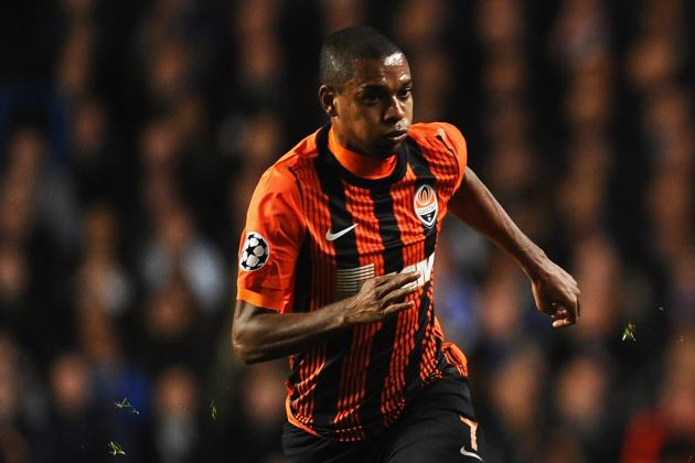 Manchester City Told to Stump Up €50m for Fernandinho