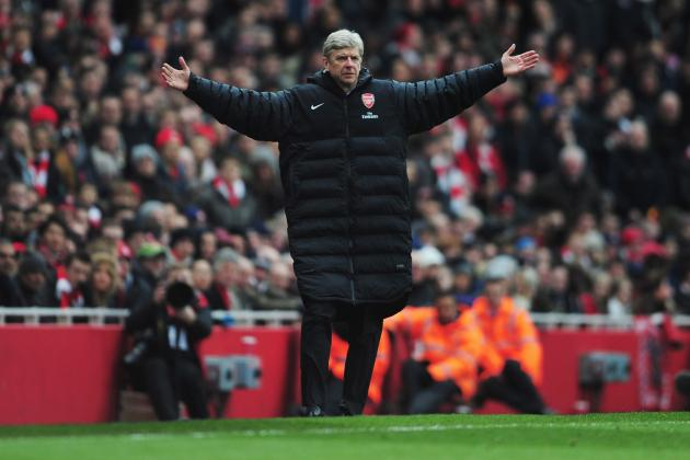 Arsenal Transfer Rumors: Latest on Christian Benteke, Julio Cesar and More