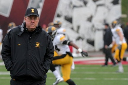 Hawkeyes Coach: No-Huddle Offense Here to Stay