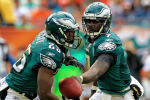 Vick 'Smokes' LeSean McCoy in Footrace After Taunts