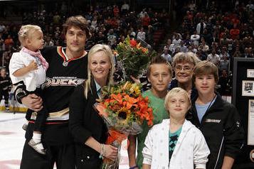 Hockey Is a Family Affair for Teemu Selanne