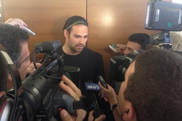 Jets QB Mark Sanchez's Nifty Headband Draws Necessary Debate on Twitter