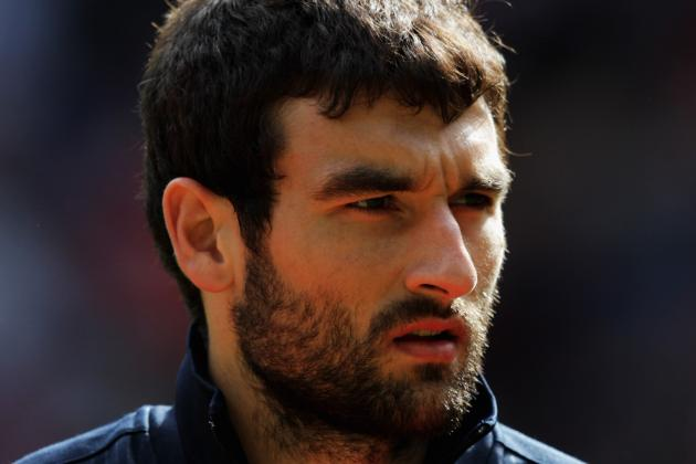 Pulis Prepares Moves to Bring Palace's Jedinak and Norwich's Pilkington