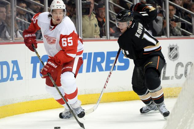Danny DeKeyser out for Playoffs with Broken Right Thumb