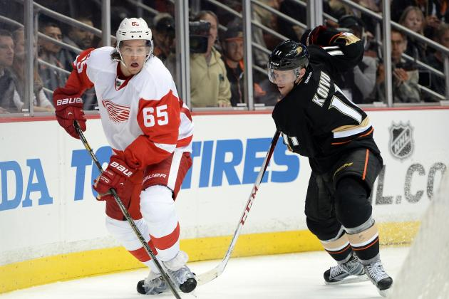 Report: Defenseman Danny DeKeyser Will Miss Rest of Playoffs with Broken Thumb