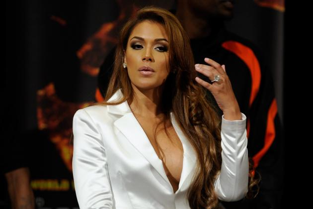 Floyd Mayweather's Girlfriend Will Steal Spotlight from Main Event Fight