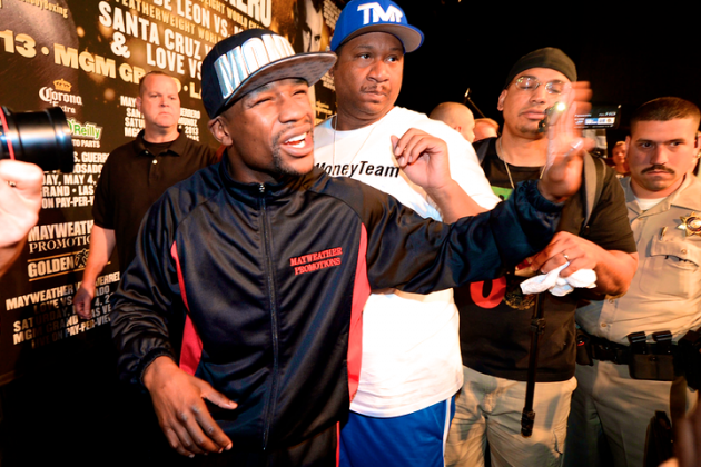 Mayweather Has Rematch Clause