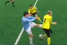 Russian Striker Totally Loses His Cool
